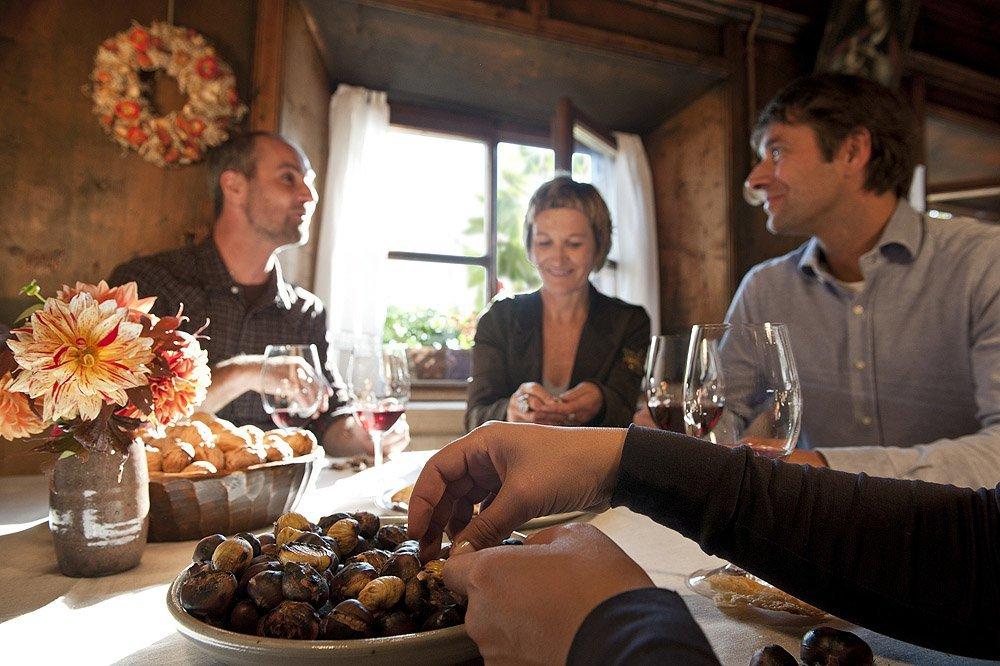 Törggelen und Weinverkostung im herbstlichen Südtirol
