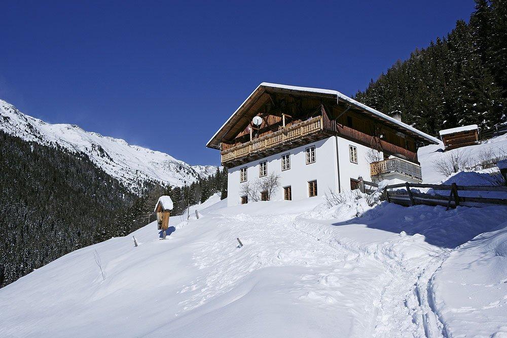 Gemütlicher Winterurlaub zwischen Weihnachtsmärkten und verschneiten Landschaften